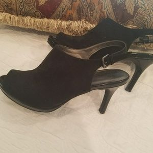 Shoes - Cute Memory foam heels